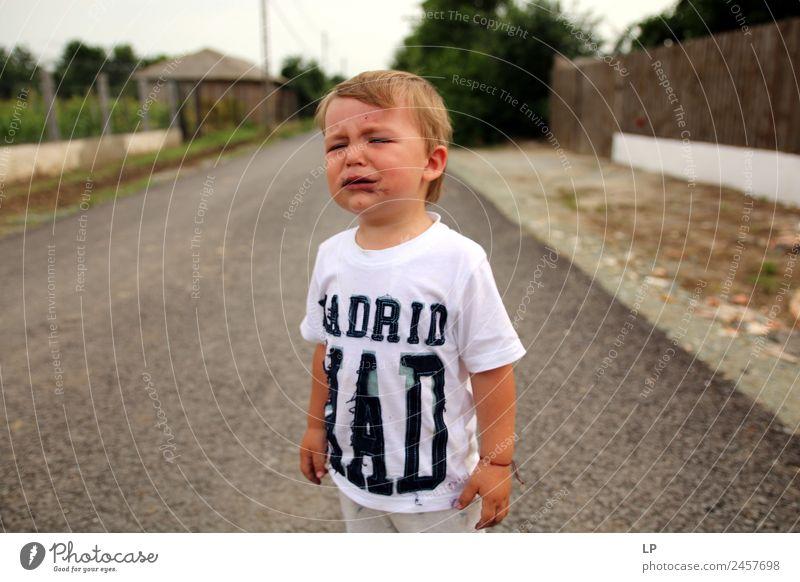 verärgertes Baby Kindererziehung Bildung Mensch Geschwister Familie & Verwandtschaft Kindheit Leben Gefühle Stimmung Traurigkeit Trauer Unlust Sehnsucht Heimweh