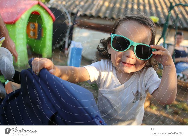 Kind Mensch Ferien & Urlaub & Reisen Freude Erwachsene Lifestyle Leben Gefühle Familie & Verwandtschaft Stil Mode Haare & Frisuren Stimmung Kindheit Kraft