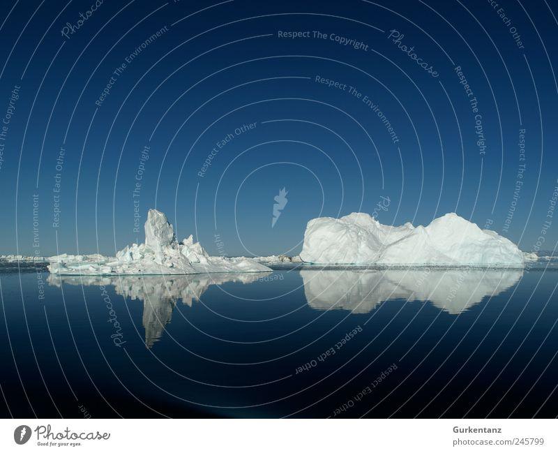 100 - Jubiläum on the Rocks Umwelt Natur Urelemente Wasser Klima Klimawandel Eis Frost Coolness fantastisch groß Unendlichkeit blau weiß Grönland Eisberg