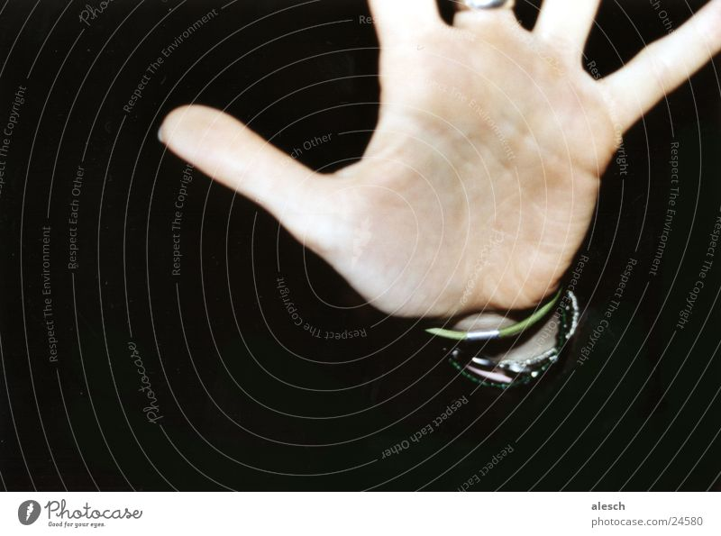 Don't move! Hand Finger stoppen Halt Handfläche