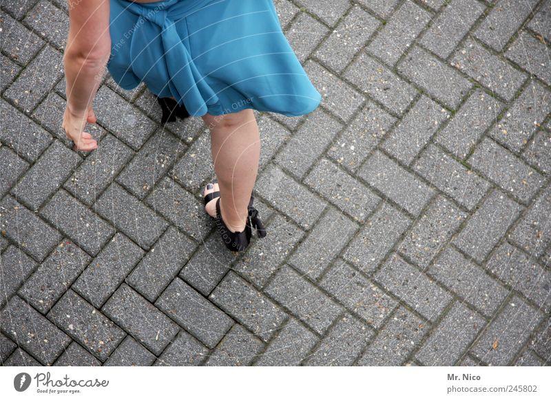 feiern gehen ! blau schön Bewegung Stil Beine Feste & Feiern Arme elegant Haut ästhetisch Bodenbelag Gesäß dünn Rock Schleife
