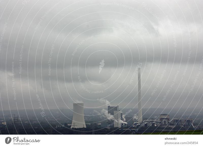 Trübe Aussichten Stadt Umwelt Luft Wetter Energiewirtschaft Klima Industrie Bauwerk Rauch Abgas Schornstein schlechtes Wetter Klimawandel Industrieanlage