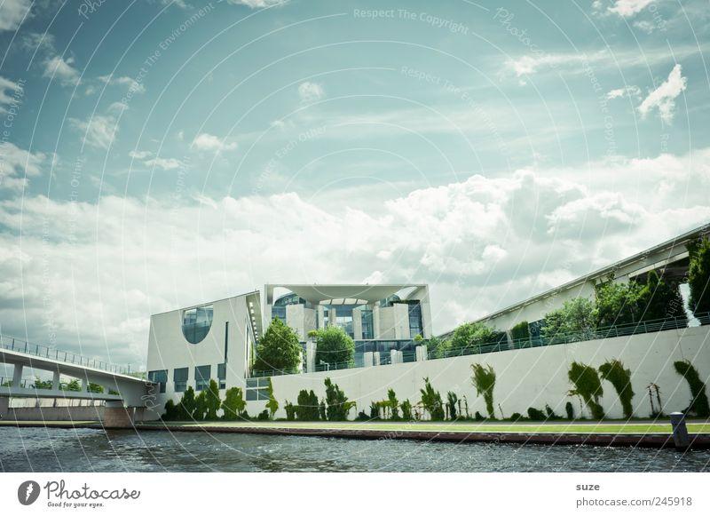 Kanzleramt Himmel blau Wolken Umwelt Architektur Berlin Stein Deutschland Wetter Tourismus Europa Fluss Kultur Symbole & Metaphern Flussufer Wahrzeichen