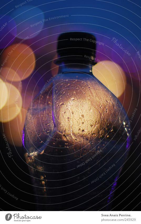 PET. glänzend Wassertropfen Statue Flasche Lichtspiel Flaschenhals Lichtpunkt Wasserflasche PE-Flaschen Flaschendeckel