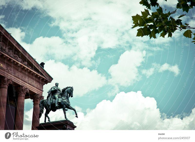 Ausritt Himmel blau Blatt Wolken Umwelt Berlin Architektur Kunst Deutschland Tourismus Europa Kultur Bauwerk Symbole & Metaphern Wahrzeichen