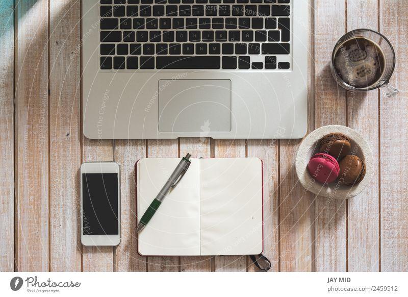 Desktop-Büro-Mix auf einem Holztisch Kaffee Stil Schreibtisch Tisch Bildung Arbeit & Erwerbstätigkeit Business Telefon PDA Computer Notebook Bildschirm