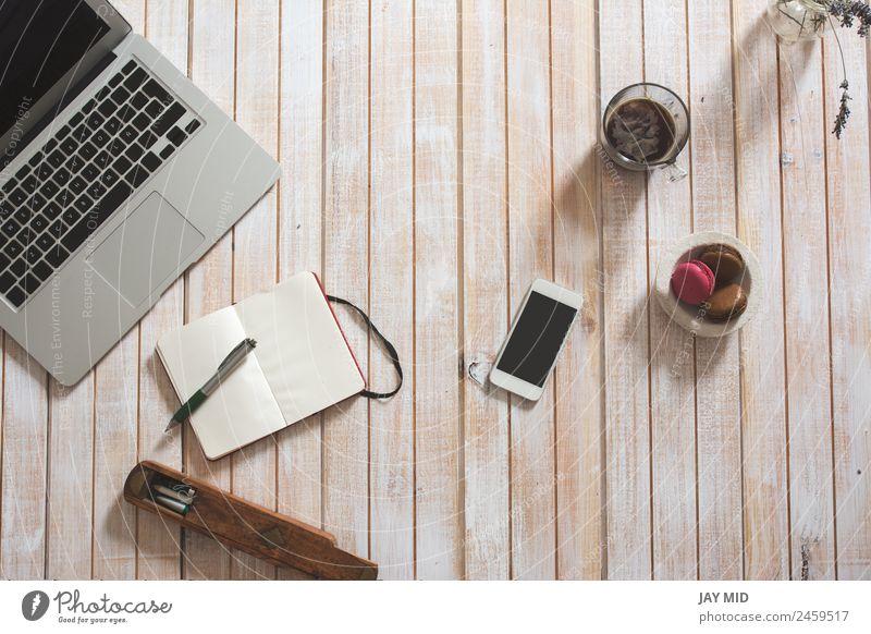Desktop-Büro-Mix auf einem Holztisch Kaffee Stil Schreibtisch Tisch Arbeit & Erwerbstätigkeit Business Telefon PDA Computer Notebook Tastatur Bildschirm