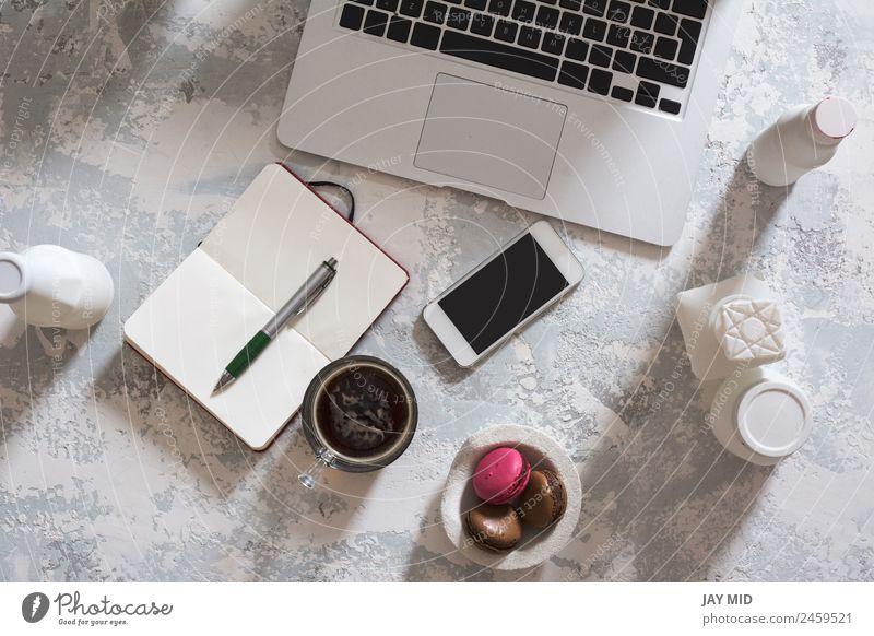Desktop-Büro-Mix, Computer und Handy Kaffee Stil Schreibtisch Tisch Arbeit & Erwerbstätigkeit Business Telefon PDA Notebook Tastatur Bildschirm