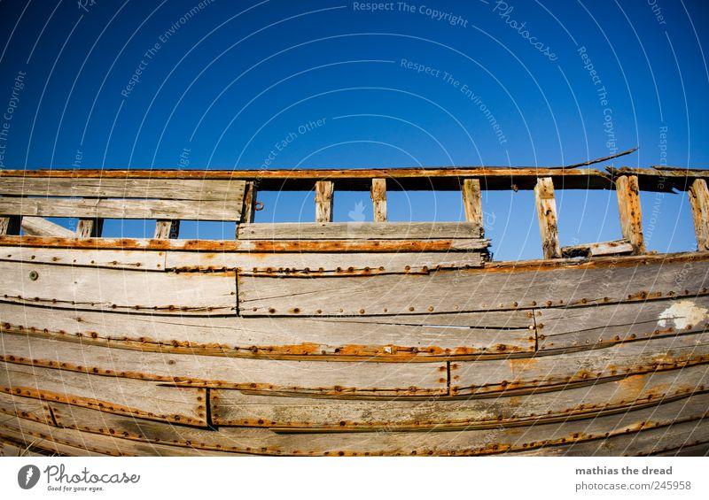 DÄNEMARK - XIV alt schön rot Holz grau Luft kaputt rund außergewöhnlich Vergänglichkeit Idylle historisch Rost Schifffahrt Nagel Neigung