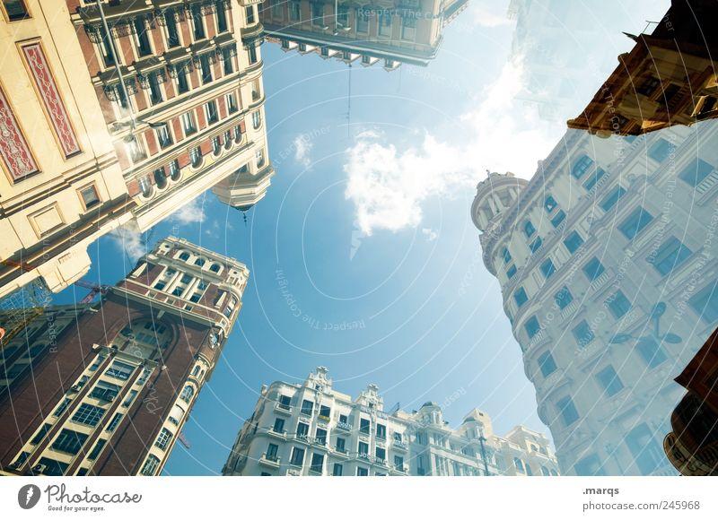 Madrid Stil Design Haus Himmel Spanien Stadtzentrum überbevölkert Bauwerk Gebäude Architektur Fassade Häusliches Leben außergewöhnlich Coolness historisch