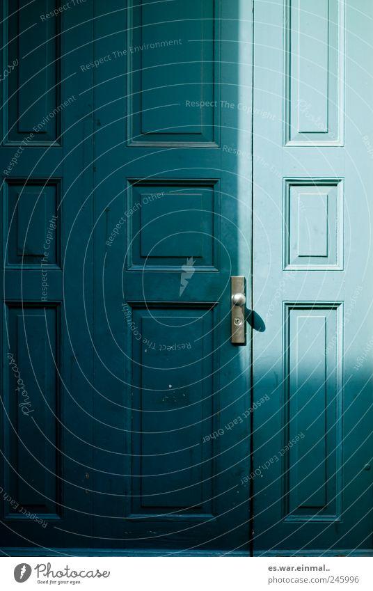 doors of winterthur Tür Türknauf blau türkis Rechteck geschlossen Klingel Eingangstür Farbfoto