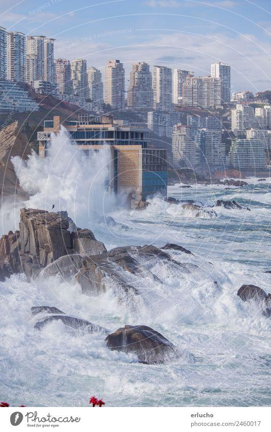 Vina del Mar, Chile Ferien & Urlaub & Reisen Meer Wellen Natur Wetter Unwetter Wind Felsen Küste Strand Stadt Skyline Hochhaus Turm Gebäude Architektur Fassade