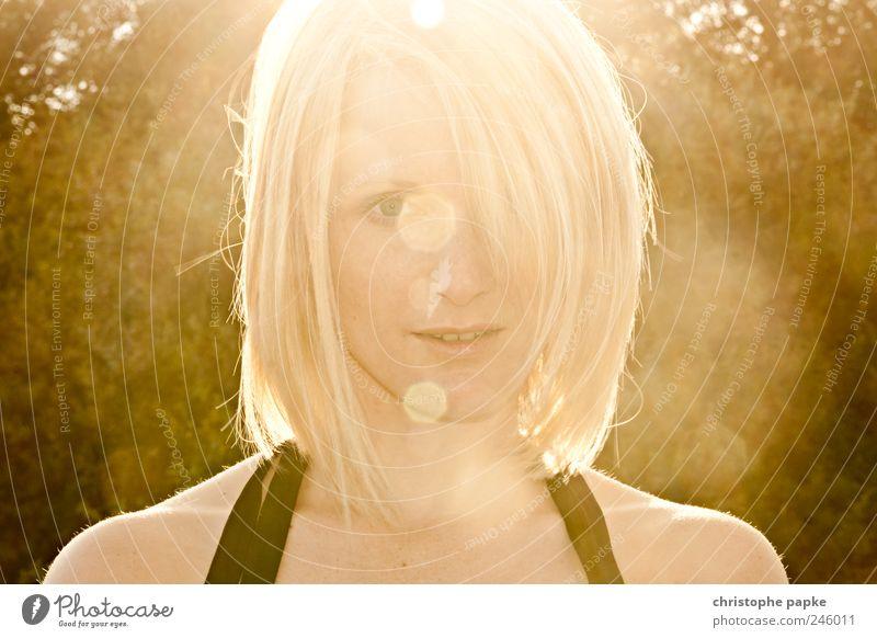 Rheingold Mensch Jugendliche schön Sonne Ferien & Urlaub & Reisen Sommer feminin Erwachsene Wärme blond ästhetisch 18-30 Jahre Sonnenbad Junge Frau Sommerurlaub