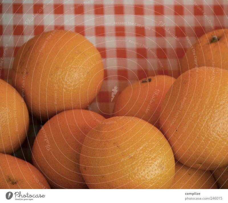 Orangen Lebensmittel Frucht Ernährung Frühstück Picknick Bioprodukte Vegetarische Ernährung Gesundheit Gastronomie saftig gelb rot Orangensaft kariert Markt
