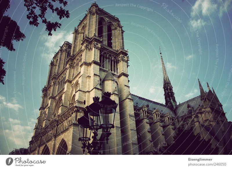 Notre Dame Architektur Religion & Glaube elegant ästhetisch Kirche Kultur Bauwerk geheimnisvoll Paris Laterne Frankreich Nostalgie Gottesdienst Sehenswürdigkeit