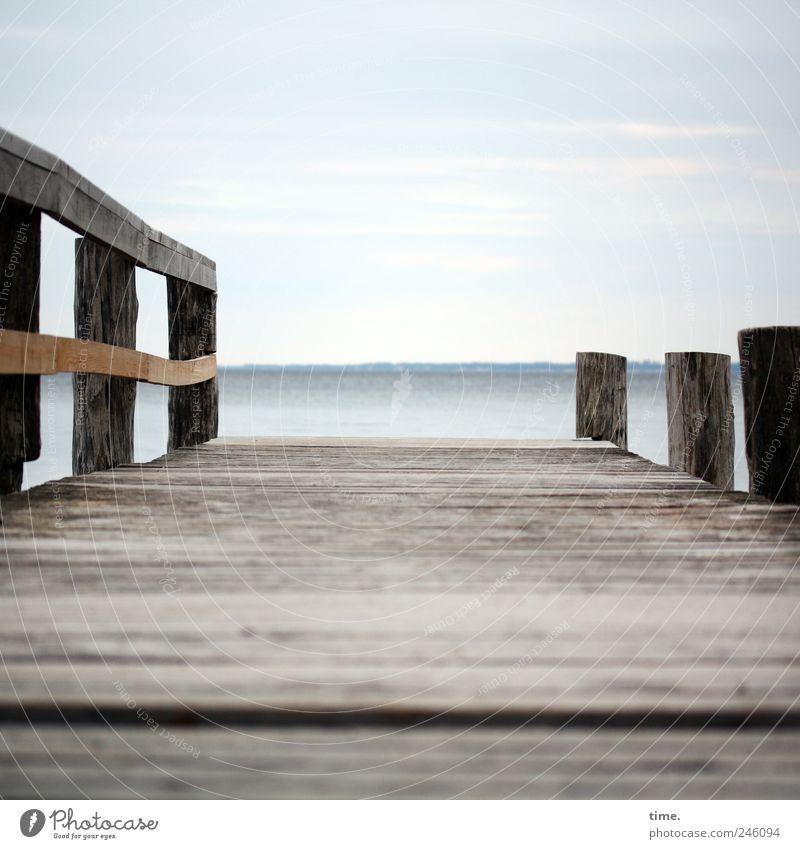 Kurzurlaub Meer Landschaft Himmel ruhig Horizont Küste Ostsee Erholung Freiheit Frieden Seebrücke Zufriedenheit Inspiration Natur Nostalgie Ferne Tourismus Holz