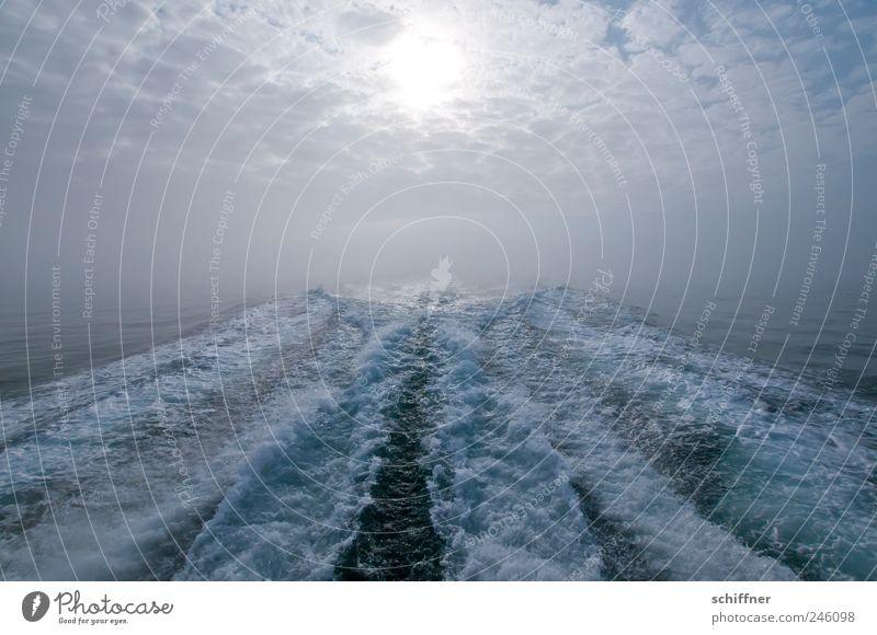 Into the sun Urelemente Wasser Himmel Wolken Sonne Sonnenlicht Schönes Wetter Nebel Meer Sehnsucht Bugwelle Wellen Wellenform Ferne Zufriedenheit Einsamkeit