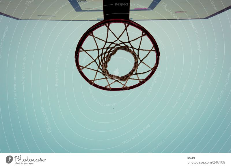 Korb Himmel blau Sport Umwelt Basketball Basketballkorb Sportgerät Wolkenloser Himmel