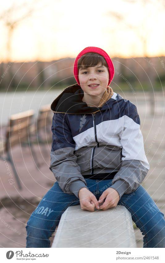 Kind Mensch Natur Jugendliche Mann Blatt Gesicht Erwachsene Lifestyle Herbst Stil Glück Junge maskulin Park 13-18 Jahre