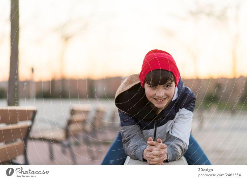 Kind Mensch Natur Jugendliche Mann Junger Mann Blatt Gesicht Erwachsene Lifestyle Herbst Stil Glück Freizeit & Hobby maskulin