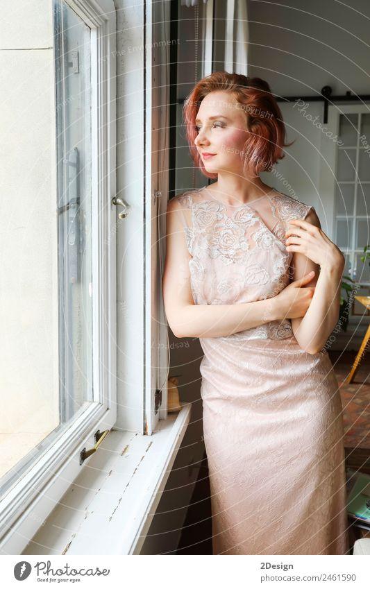 Frau Mensch Jugendliche Junge Frau schön weiß Erotik Erholung 18-30 Jahre Erwachsene Lifestyle feminin Stil Glück Mode Körper