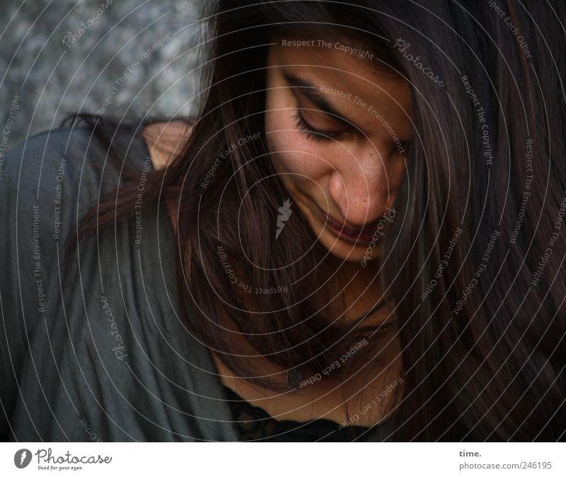 Stella Cruz | Roots schön Haare & Frisuren Gesicht Zufriedenheit Mensch feminin Junge Frau Jugendliche Erwachsene Kopf Auge 1 18-30 Jahre langhaarig Denken