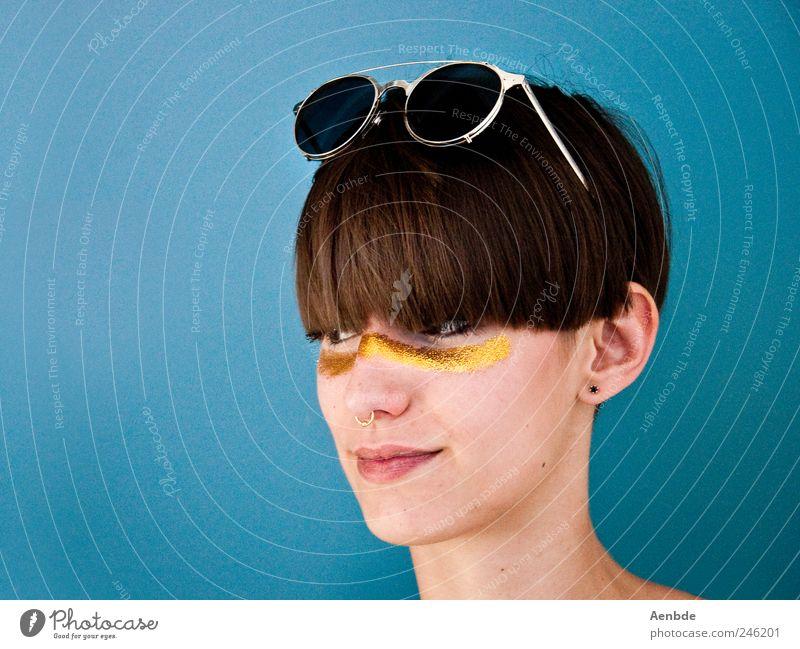 partyfighter Stil Haare & Frisuren Kosmetik Schminke ausgehen Mensch feminin androgyn Junge Frau Jugendliche Kopf 1 18-30 Jahre Erwachsene Accessoire Schmuck