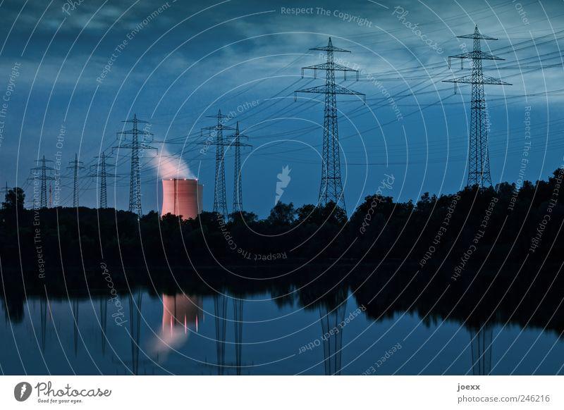 Rosa Riese Himmel blau rot Wolken schwarz See Angst rosa Energie Energiewirtschaft bedrohlich Strommast Umweltverschmutzung Wasserdampf nachhaltig Kernkraftwerk