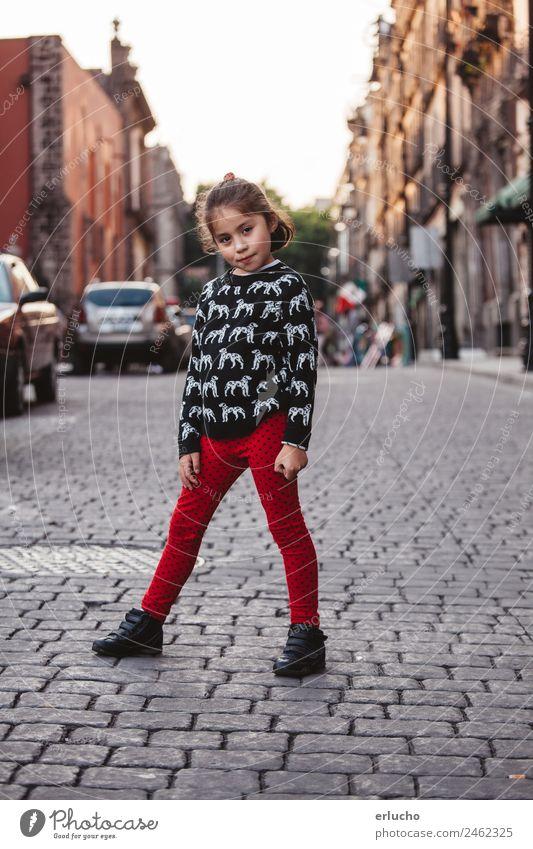 Kleines Mädchen auf den Straßen Mexikos Lifestyle Stil Glück schön Ferien & Urlaub & Reisen Tourismus Ausflug Mensch feminin Baby Frau Erwachsene Kindheit 1