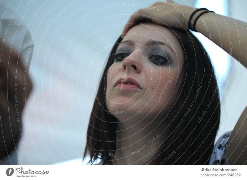 Exhausting / Chamanvier Frau Mensch Jugendliche Hand schön Gesicht Auge feminin Kopf Haare & Frisuren Erwachsene Arme Haut stehen natürlich
