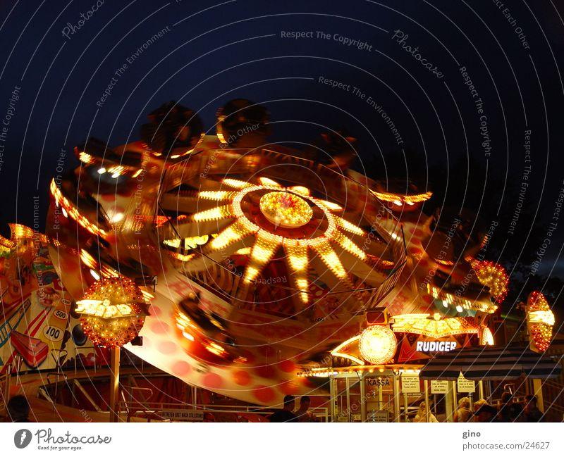 lightcycles Nacht Licht Jahrmarkt Fototechnik karussel Feste & Feiern fun