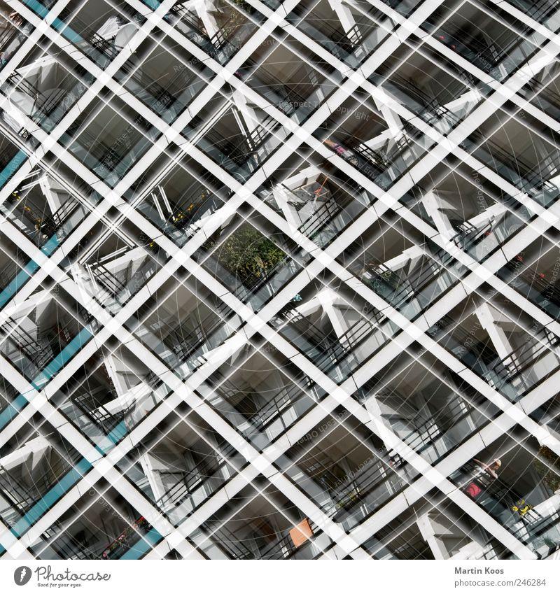 flat screening Stadt Haus Hochhaus Architektur Fassade Balkon eckig groß Klischee Bewegung Design Fortschritt Gesellschaft (Soziologie) Idee Inspiration komplex