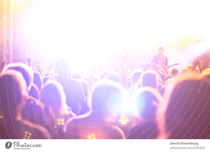 Let's rock Mensch weiß Menschengruppe Party Musik Feste & Feiern Tanzen viele Rockmusik Konzert Veranstaltung Band Menschenmenge Bühne Fan Beruf
