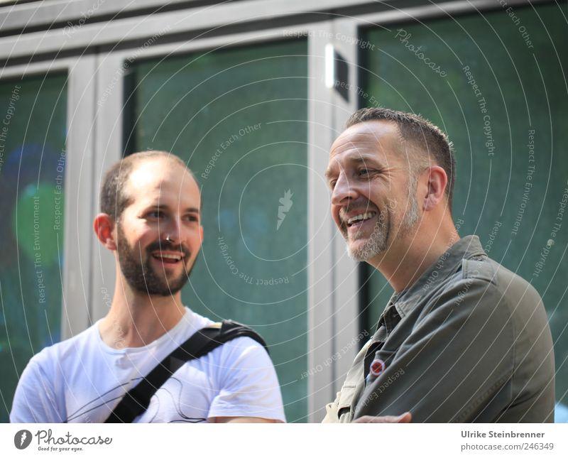 Smalltalk I / Chamanvier Freude Feste & Feiern Mensch maskulin Mann Erwachsene Freundschaft Kopf Brust 2 30-45 Jahre 45-60 Jahre Kommunizieren Lächeln lachen