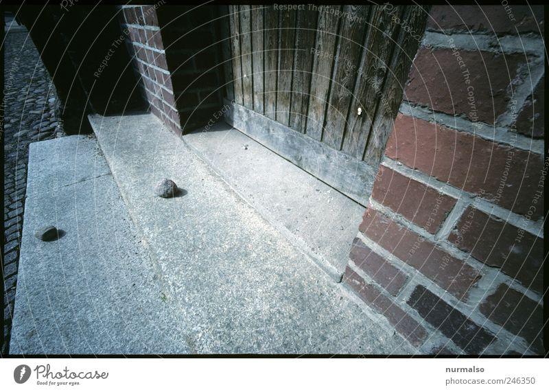 Spur der Steine ruhig Haus Wand Umwelt Gefühle Religion & Glaube Mauer träumen Kunst Treppe liegen Klima Lifestyle Kirche einzigartig Backstein
