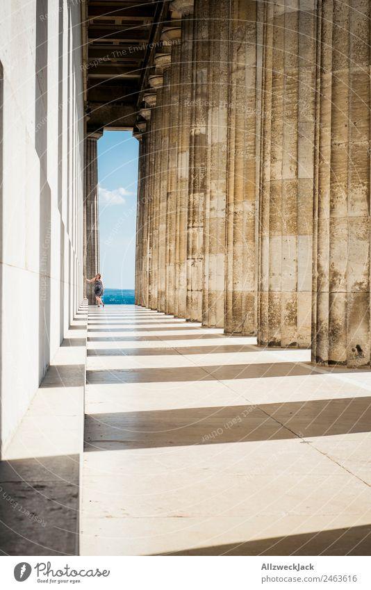 Säulengang des Walhalla in Regensburg Deutschland Sehenswürdigkeit Aussicht Ferne Panorama (Aussicht) Donau Schönes Wetter Sommer Ferien & Urlaub & Reisen