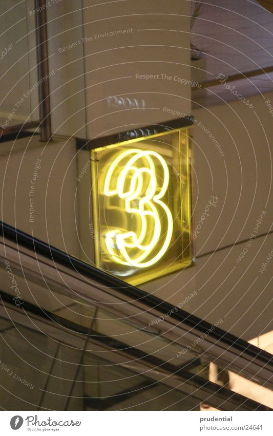 three Neonlicht Rolltreppe gelb Elektrisches Gerät Technik & Technologie hell
