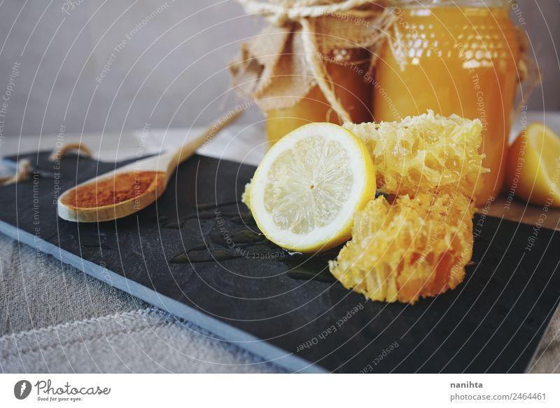 Gesunde Inhaltsstoffe gegen Erkältung Lebensmittel Frucht Kräuter & Gewürze Zitrone Honig Wabe Zimt Ernährung Frühstück Bioprodukte Vegetarische Ernährung