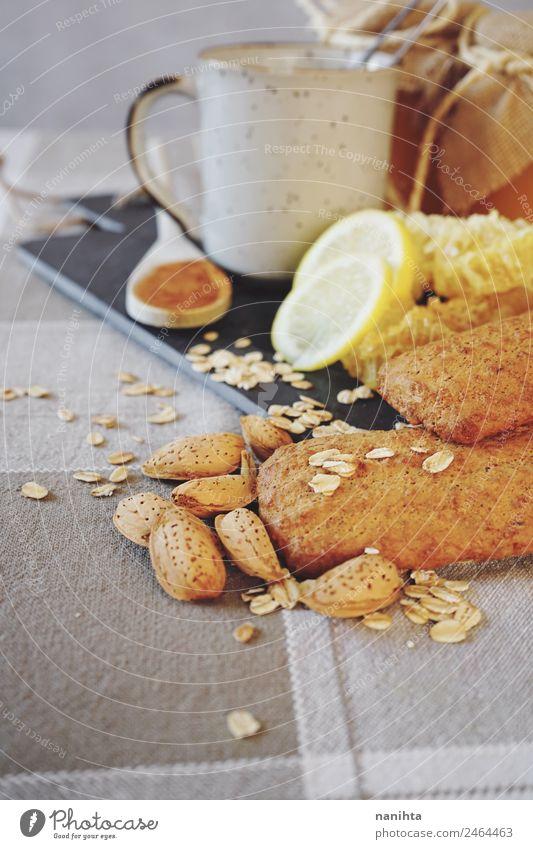 Gesundes und leckeres Frühstück Lebensmittel Frucht Getreide Teigwaren Backwaren Kräuter & Gewürze Mandel Honig Zitrone Zimt Hafer Haferflocken Wabe Ernährung