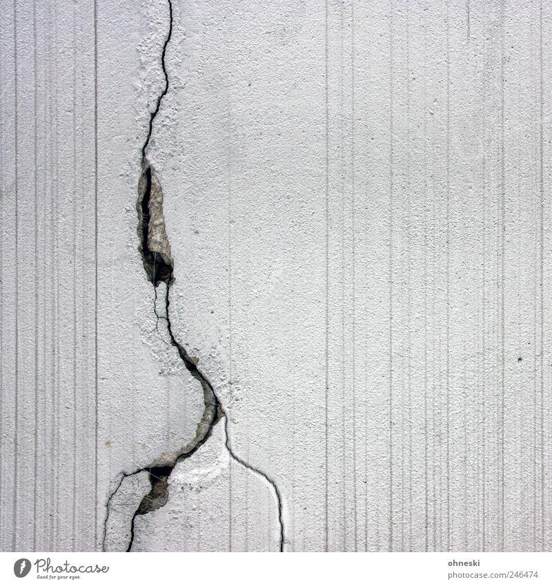 Gewitter weiß Wand Mauer Linie Fassade Beton Streifen Blitze Bauwerk Riss