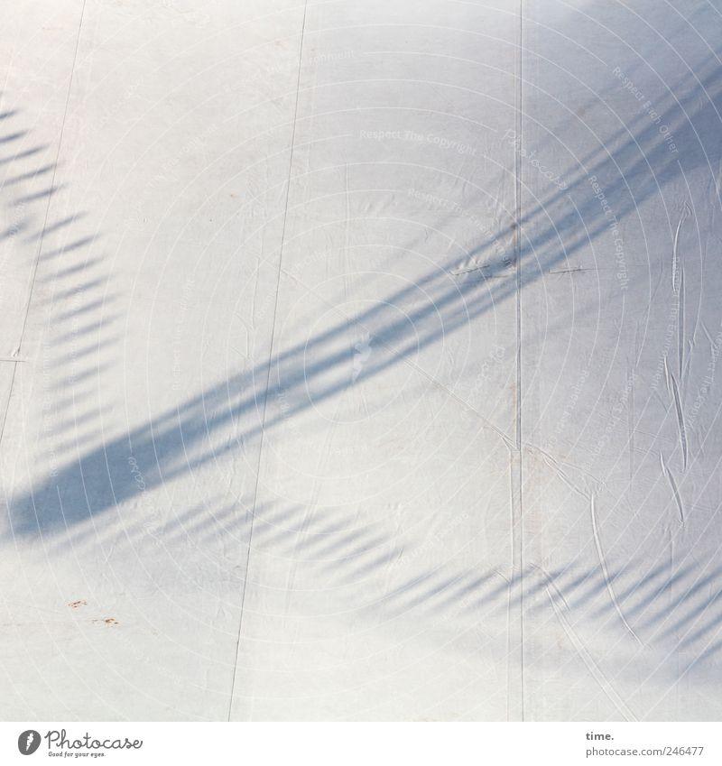 dahinter 100 dB Kunst Zirkus Zirkuszelt Open Air Stoff hell Stress bizarr Surrealismus Zelt Zeltplane Textilien diagonal Naht Abdeckung parallel Farbfoto