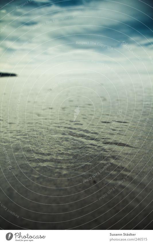 wolken. Natur Schönes Wetter Wellen Küste Ostsee Meer kalt sparsam Hoffnung Glaube Sehnsucht Fernweh Angst Horizont Farbfoto Außenaufnahme Detailaufnahme
