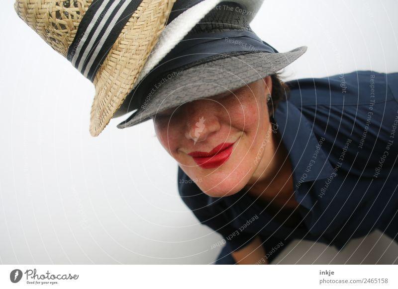 in ist, was getragen wird Frau Mensch Jugendliche Junge Frau schön rot 18-30 Jahre Gesicht Erwachsene Lifestyle Leben Stil Mode Lächeln Mund Hut
