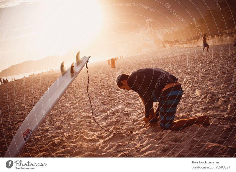 surfers paradise Mensch Jugendliche Sonne Sommer Ferien & Urlaub & Reisen Freude Strand Leben Sport Erwachsene maskulin Lifestyle T-Shirt 18-30 Jahre Surfen
