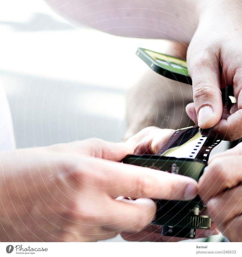 Fauxpass Mensch Hand grün Finger maskulin Fotokamera analog herausziehen