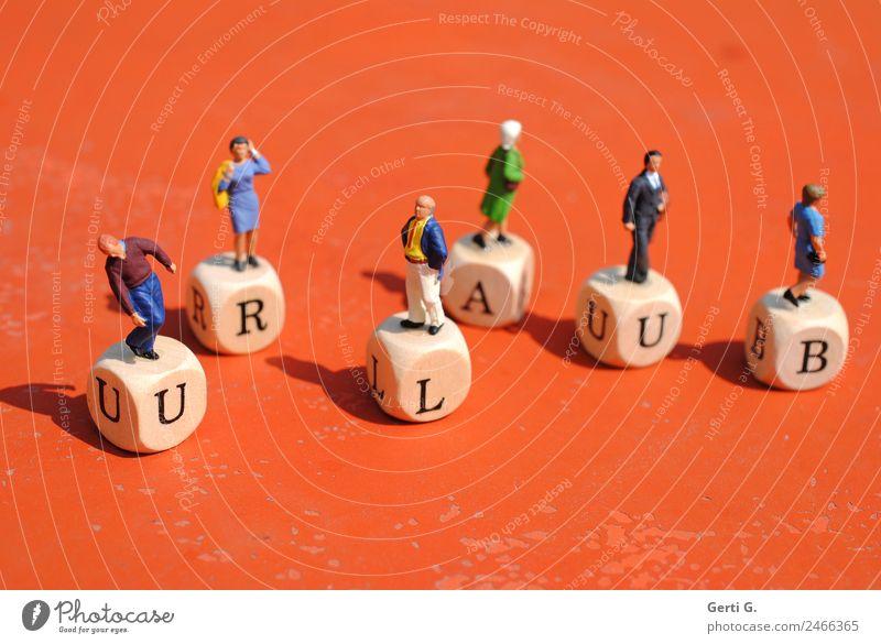 Miniaturfiguren - URLAUB 2.0 Mensch Ferien & Urlaub & Reisen Freude Gefühle feminin Holz Tourismus Stimmung gehen Freizeit & Hobby maskulin Schriftzeichen