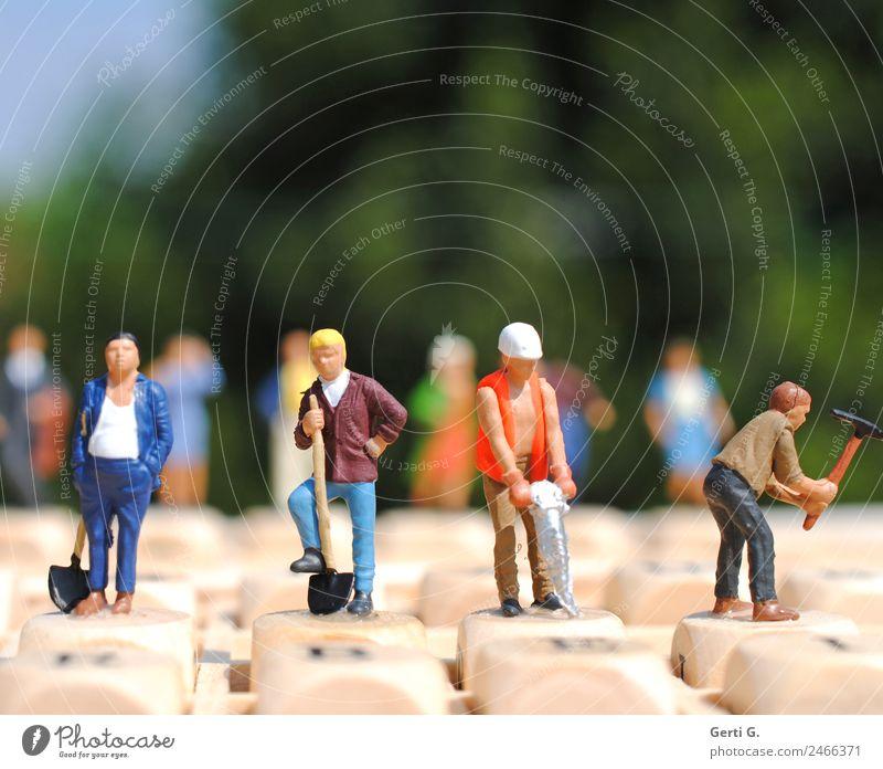 Miniaturen - working in sunlight Mensch Erwachsene Holz Leben sprechen Menschengruppe Arbeit & Erwerbstätigkeit maskulin Schriftzeichen Energiewirtschaft Erfolg