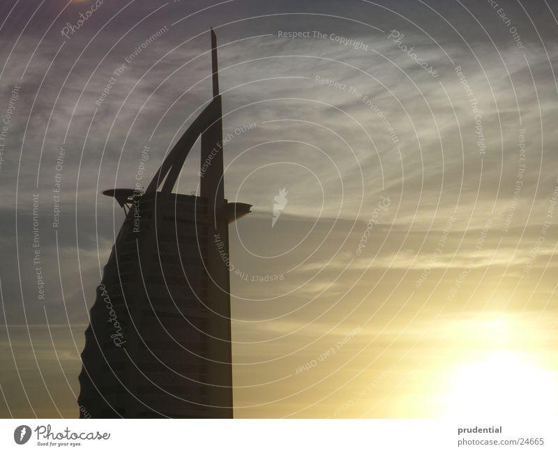 burj al arab Sonnenuntergang Winter schlechtes Wetter Erfolg bur al arab tower of arabia turm von arabien Wolken diffuses licht