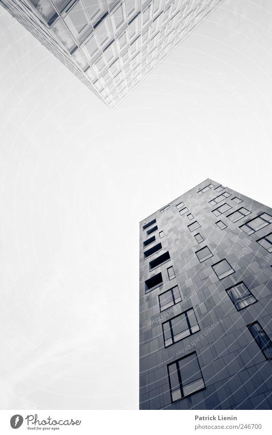 Hochhausromantik Stadt Einsamkeit Haus Freiheit Architektur grau Stil Gebäude Linie Kraft elegant hoch Design ästhetisch
