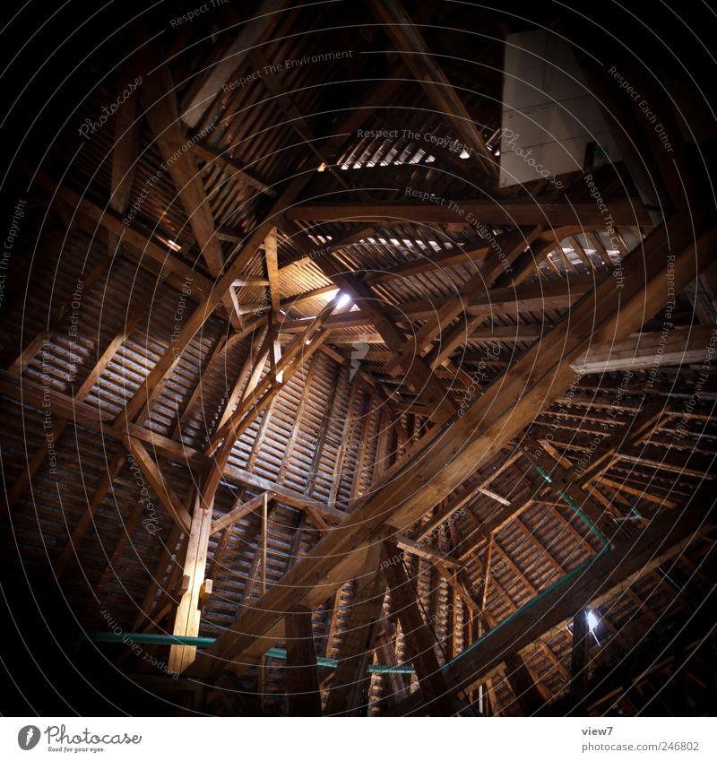 Dachstuhl alt Haus Ferne dunkel Architektur Gebäude Holz braun authentisch hoch Kirche einfach Vergänglichkeit Vergangenheit Bauwerk